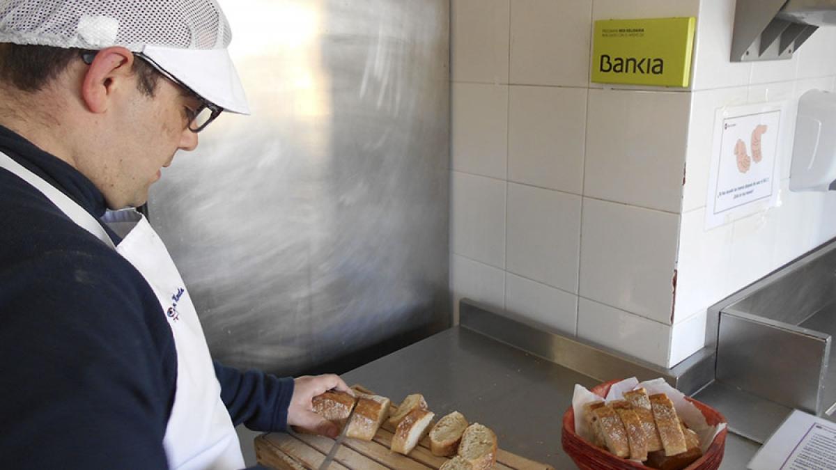 """Bankia, no marco do programa Red Solidaria, apoia con 10.000 euros o proxecto """"Aportando Valor"""" de Fundación Menela"""