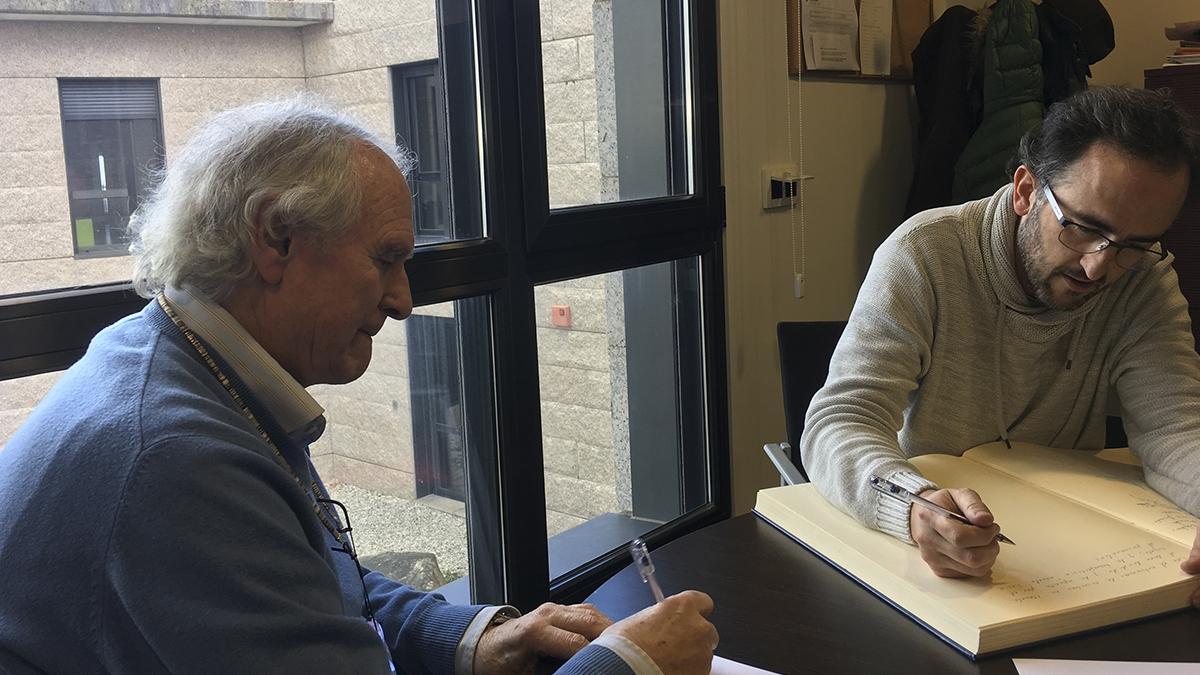 """Iván Ruiz, director do documental """"OTRAS VOCES"""" visita a Fundación Menela"""