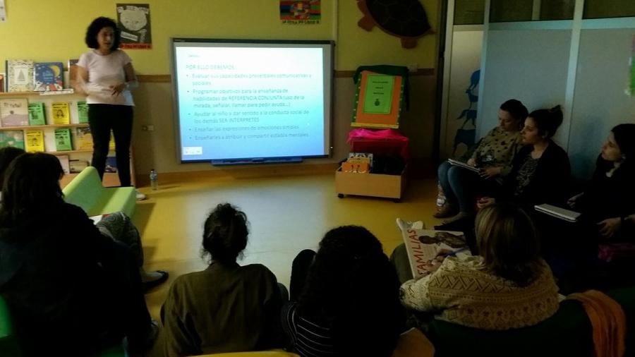 O pasado día 9 de Maio, arrancou o proxecto COÑECE TEA comenzamos visitando e formando aos grandes profesionais que forman parte do equipo educativo da Escola Infantil Cristo da Victoria en Vigo